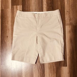 Banana Republic Shorts Hampton Fit Size 2 Khaki